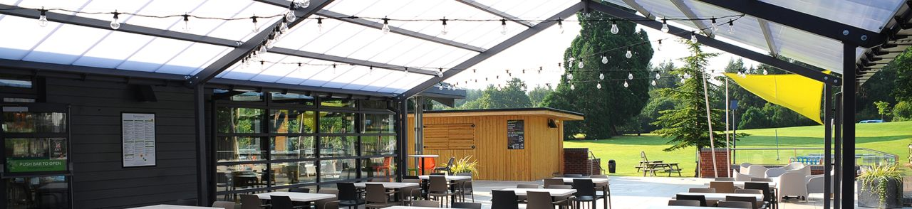 Outdoor dining at Whitemead Forest Park