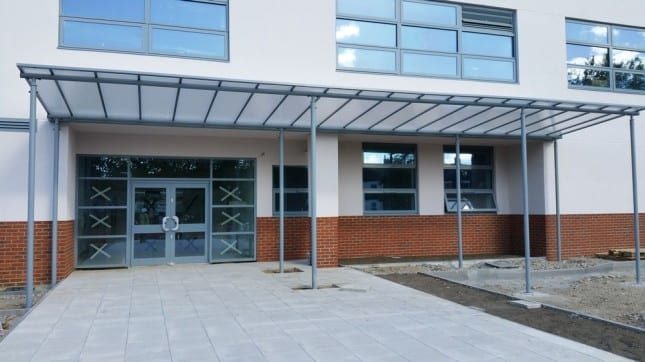 Buxton School Entrance Shelter