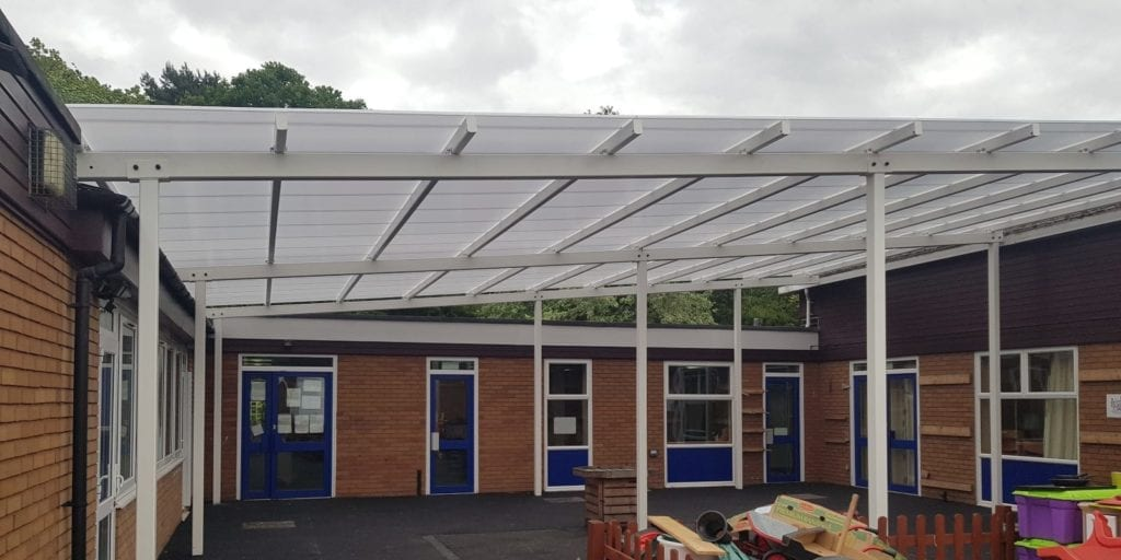 Hollinswood Primary School White Shelter