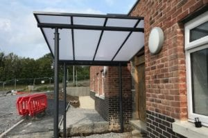 Shelter installed at Mynydd Mawr Hospital