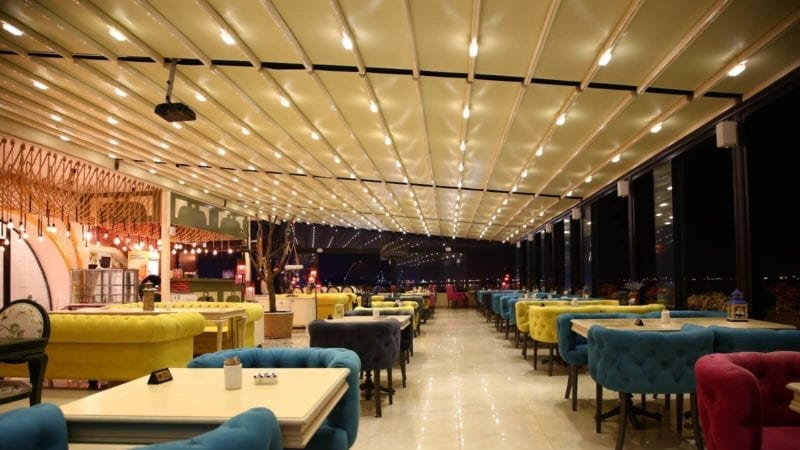 Retractable Restaurant Canopy